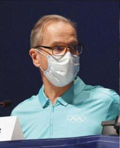「弁当を廃棄するなら僕たちに回して」IOC会見にボランティアの大学生が乱入するハプニング…質問しようと手を挙げるも制止される【東京五輪】
