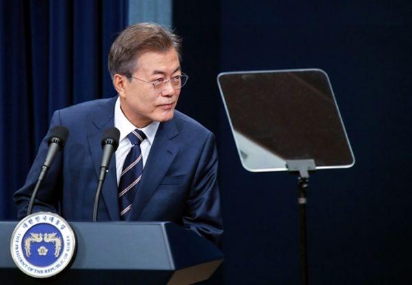 """韓国人「我が国は核保有国よりも強い""""文在寅保有国""""である!!」"""