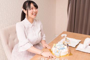 【朗報】声優・大坪由佳さんの胸の成長がもう止まらないwwwww