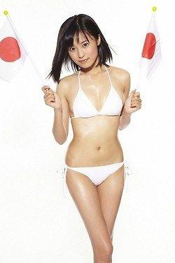 【W杯】小島瑠璃子さん、事務所先輩、足立梨花さんの仕事を奪いに行く