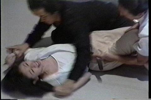 安永亜衣  手術室で、レイプ未遂003
