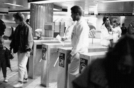 地下鉄改札