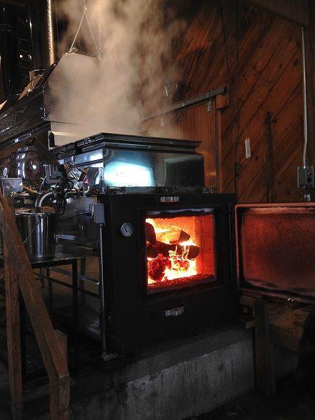燃える薪 新しい機械aaa