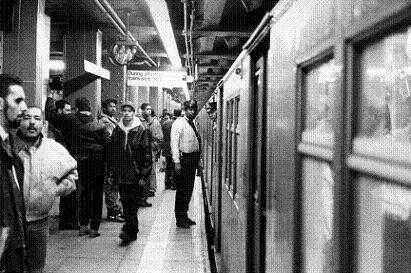 地下鉄職員の会話