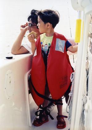 息子と救命胴衣