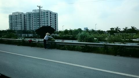独身のベトナム旅行記 ベトナムの幹線道路にて Vol.11