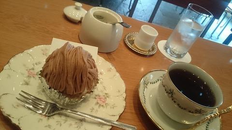住宅街に佇むお洒落ねカフェ『Cafe 傳』 上高田
