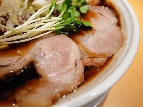 どっかん@幡ヶ谷駅生姜醤油らぁ麺のチャーシュー