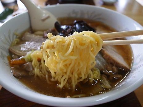 富士屋の麺