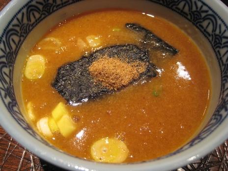 三田製麺所(歌舞伎町店)つけダレ