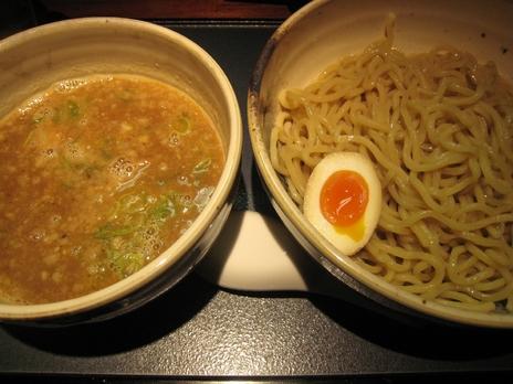 新店麺匠竹虎(新宿歌舞伎町)魚介豚骨つけ麺