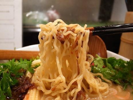 エビ麺It'sShrimpの麺