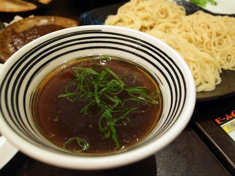 ビーハイブのつけ麺