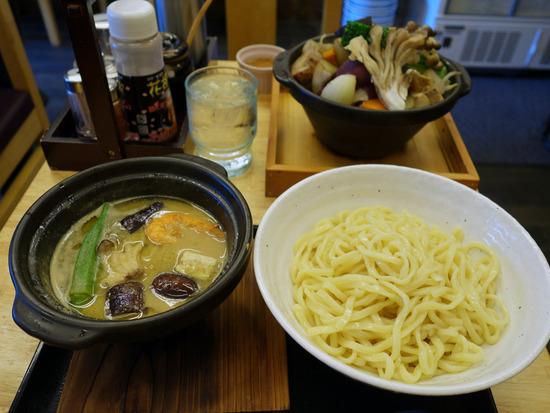 グリーンカレーつけ麺&野菜漢盛