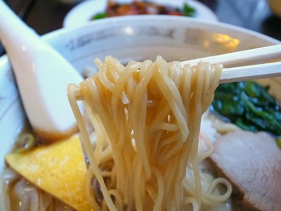 銀座萬福の麺