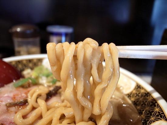 煮干王の麺