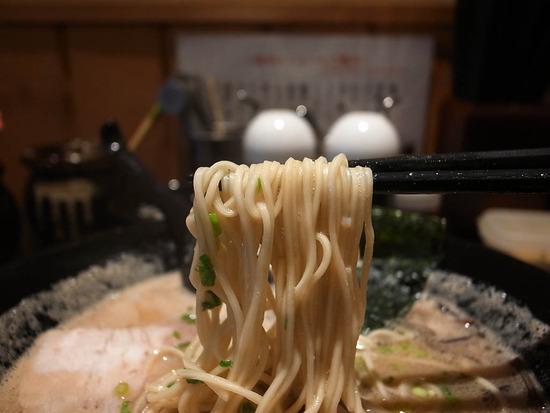 一瑞亭の麺