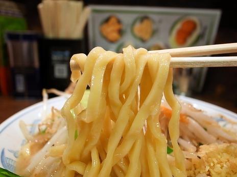 トナリ@有楽町の麺
