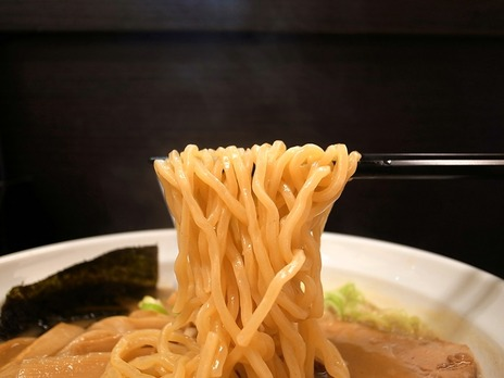 神楽小路麺屋TAKUの麺