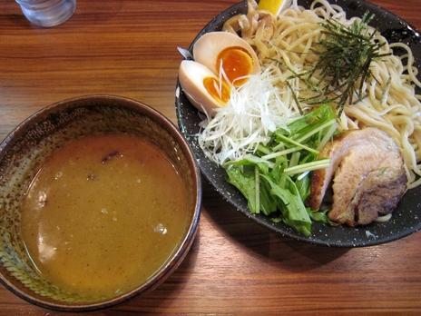 らーめん鈴家(本八幡)特製つけ麺(980円)