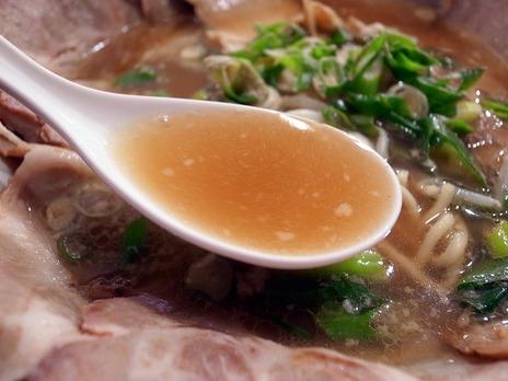 明大前第一旭の胡椒たっぷりスープ