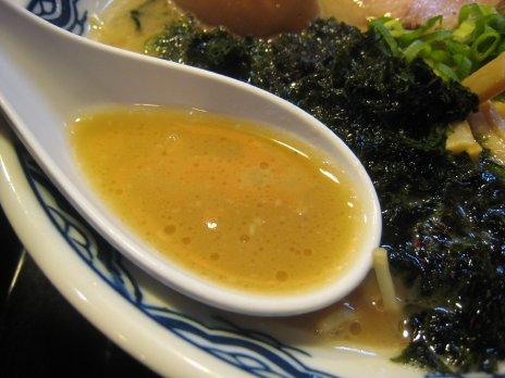 博多ラーメン赤のれん(六本木西麻布)スープ