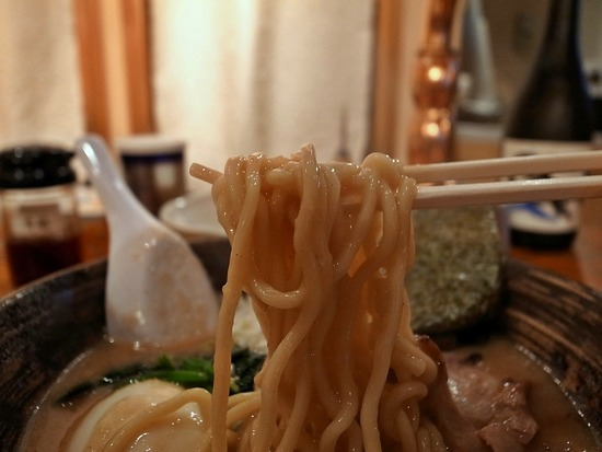 やべやの麺
