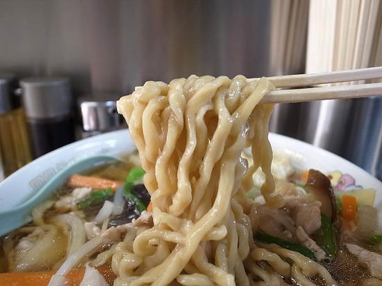 進京亭の麺