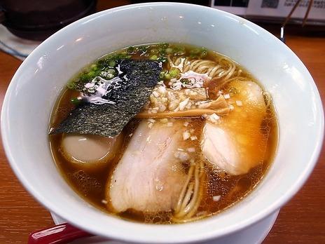 横浜麺や維新の味玉醤油らぁ麺