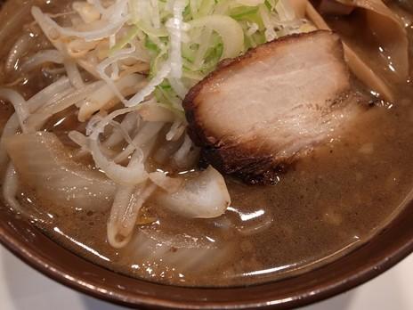 麺武鷹雅(水道橋)焼き醤油(味玉)