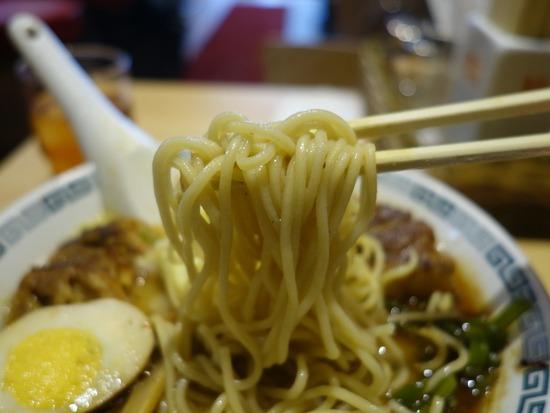 桂花ラーメンの麺