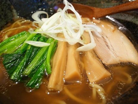 八幡山新店麺屋八重八