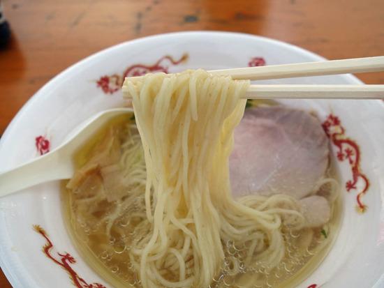 飯田商店の麺