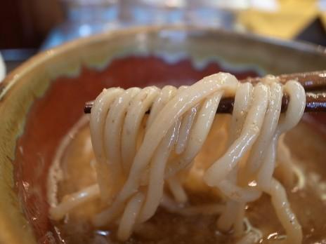 縄麺男山(本郷三丁目)麺