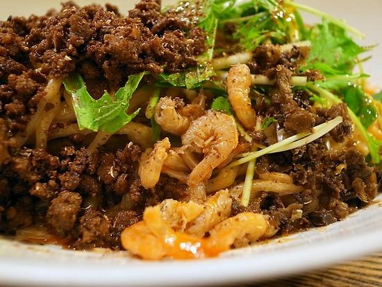 干し海老ひき肉たっぷりの汁なし担担麺