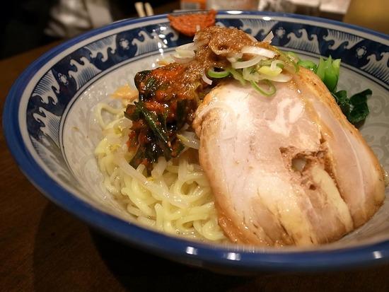 京成立石けんけんの油香麺