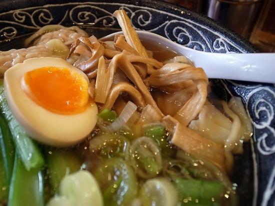 むあんのワンタン麺