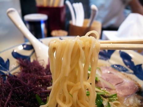 淡路町ラーメン神田磯野の麺