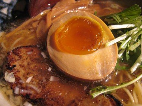 つけそば黒門(新宿西口)味玉