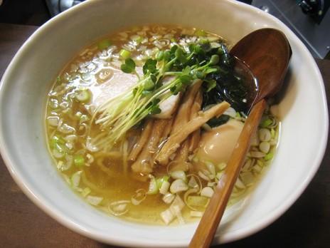 麺屋げんぞう(湯島)塩らーめん+味玉