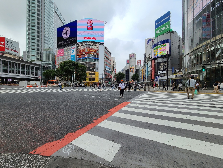 渋谷スクランブル交差点超広角