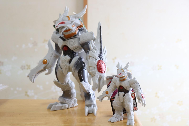 ウルトラ怪獣DXギャラクトロン比較