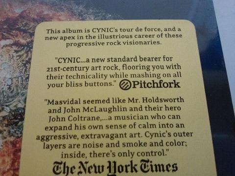 ピッチフォークとニューヨークタイムズからの寄稿
