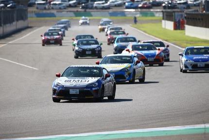 レースの車列2