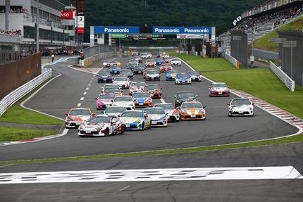 レースの車列