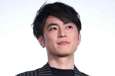 間宮祥太朗、モデル・大社カリンと交際 実兄の結婚式でもアツアツ