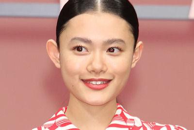 【画像】杉咲花って前髪おろしたらクソかわいいな