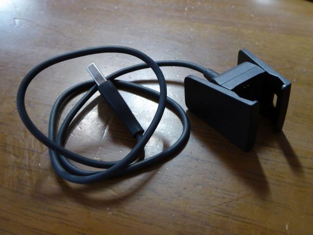 充電ケーブルがクリップ式に