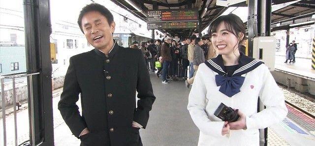 【悲報】まいんちゃん駅のホームで男と撮られてしまうwwwwwww