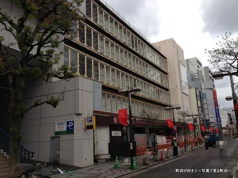 2013040621閉店後のグルメシティ町田店の様子